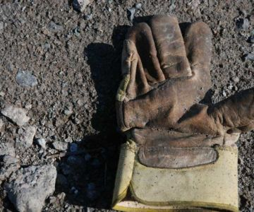 how-to-wash-your-mountain-bike-gloves